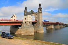 Bron av drottningen Louise, gränsbilbron till och med floden Neman i staden av Sovetsk Royaltyfri Fotografi