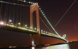 bron begränsar den nya verrazanoen york Royaltyfria Bilder