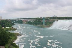 bron faller den niagara regnbågen Royaltyfri Foto