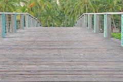 Bron till vilar och avkopplingparadiset Royaltyfria Bilder
