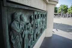 Broncemonument in centrum van Keulen van Kaiser Friedrich Wilhelm stock afbeeldingen