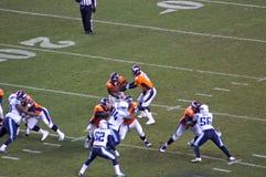 Broncos wręczają daleko Obrazy Royalty Free