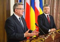 Bronislaw Komorowski und Petro Poroshenko Stockfoto