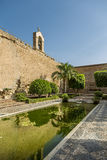 Bronnen en tuinen van Alcazaba Stock Foto's