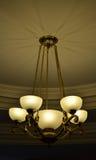 Brons 5 de mening van de lampkroonluchter van kant Stock Foto's