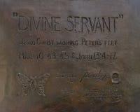 'Brons den gudomliga tjänaren 'statyn framme av Park städer Baptist Church, Dallas, Texas royaltyfri foto