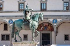 Brons den rid- statyn i Santissima Annunziata Square, Floren Royaltyfri Fotografi