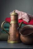 Brons en kopertheevee en pot Royalty-vrije Stock Afbeelding