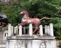 Brons hästen, den Himure Hachiman relikskrin, Omi-Hachiman, Japan Arkivfoton