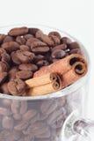 Brons-koffie korrels Stock Foto's