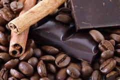 Brons-koffie korrels Stock Afbeeldingen