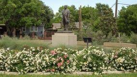 Brons statyn av Benito Juarez i Benito Juarez Parque de Heroes, en Dallas City Park i Dallas, Texas royaltyfria foton