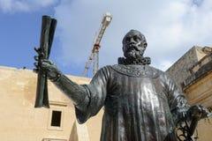 Brons statyn av den storslagna förlagen Jean de Vallette på La Valletta Arkivfoto