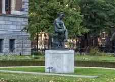 Brons statyn av Mercury, Rijksmuseum, Amsterdam, Nederländerna royaltyfri bild