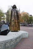 Brons statyn av Spinoza, Amsterdam, Holland Arkivfoto