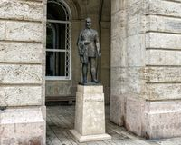 Brons statyn Eotvos Lurand, Budapest, Ungern arkivbild
