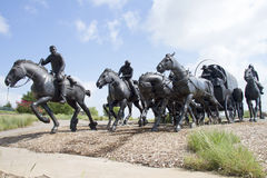 Bronsbeeldhouwwerk in moderne stad Oklahoma Royalty-vrije Stock Foto