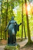 Bronsbeeldhouwwerk van het sterven Niobida Gemaakt volgens de originelen van Griekse beeldhouwer Scopas Pavlovsk park in Pavlovsk royalty-vrije stock foto
