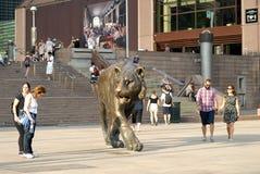 Bronsbeeldhouwwerk van tijger Stock Foto's