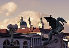 Bronsdrake, Dragon Bridge, Ljubljana Royaltyfri Foto