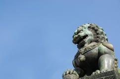 Bronslejon på Forbidden City Arkivfoto