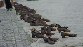 Bronsskomonument på ungersk promenad Royaltyfri Foto