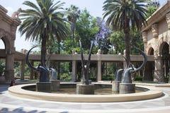 Bronsskulpturer av antilop, Sun City, Sydafrika Arkivfoton