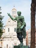 Bronsstandbeeld van keizer op Roman Forum Stock Fotografie