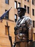 Bronsstandbeeld van Militair, Sydney Cenotaph Stock Foto's