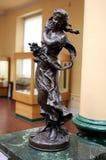 Bronsstaty av en flicka som symboliserar våren Royaltyfri Bild