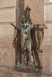Bronsstaty av teckenet från sagapierrot kiev ukraine royaltyfria foton