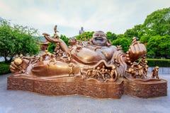Bronsstatyer av den buddistiska berättelsen Royaltyfria Bilder