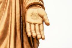 Bronsstatyer av den Sakyamuni Buddha Royaltyfria Foton