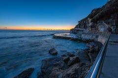 Bronte plaża przy wschodem słońca obrazy stock