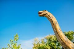 Brontozaur w Novi Sad Dino parku zdjęcie royalty free