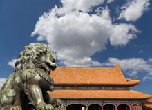 Bronze Guardian Lion Statue in the Forbidden City, Beijing, China Stock Photography