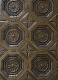 bronze klassisk dörrlättnad fotografering för bildbyråer