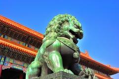 bronze lion Royaltyfria Bilder