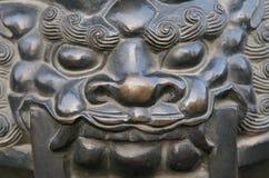 bronze lionstaty Arkivbild