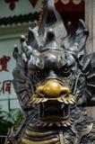 bronze lionstaty arkivfoton