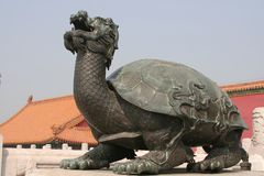 A bronze statue of a turtle Stock Photos