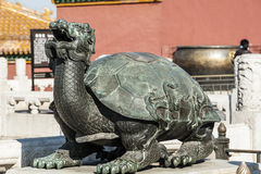 The bronze tortoise statue Royalty Free Stock Photos