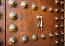 Bronzeklopfer vom Palast von madrassa, Granada, Spanien Lizenzfreies Stockfoto