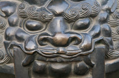 Bronzelöwe-Statue Stockfotografie