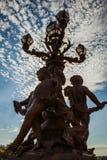 Bronzelampen auf Alexander III.-Brücke Lizenzfreie Stockfotos