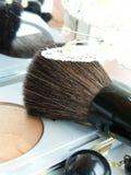 Bronzer y cepillo del maquillaje Fotografía de archivo libre de regalías
