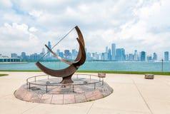 Bronzeskulptur gelegen auf dem Michigansee, Chicago, USA Lizenzfreie Stockfotografie