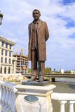 Bronzeskulptur von Aco Shopov, berühmter mazedonischer Dichter im downto Stockbilder