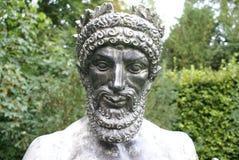 Bronzestatue eines Königs in Cambridge, England Lizenzfreies Stockfoto