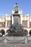 Bronzestatue von Adam Mickieiwcz, Hauptmarktplatz, Krakau, Polen Lizenzfreie Stockfotos